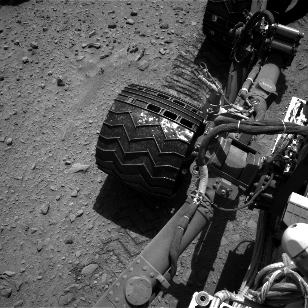 Nasa's Mars rover Curiosity acquired this image using its Left Navigation Camera on Sol 511, at drive 402, site number 25