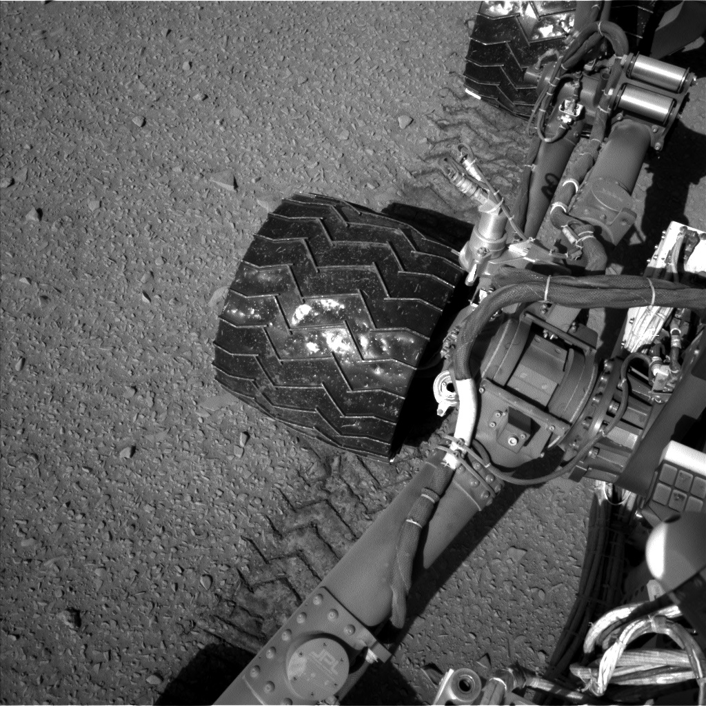 Nasa's Mars rover Curiosity acquired this image using its Left Navigation Camera on Sol 527, at drive 1836, site number 25