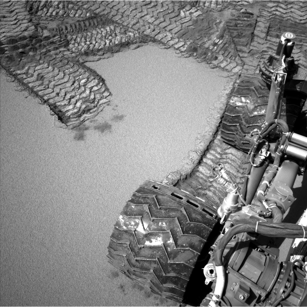 NASA's Mars rover Curiosity acquired this image using its Left Navigation Camera (Navcams) on Sol 533