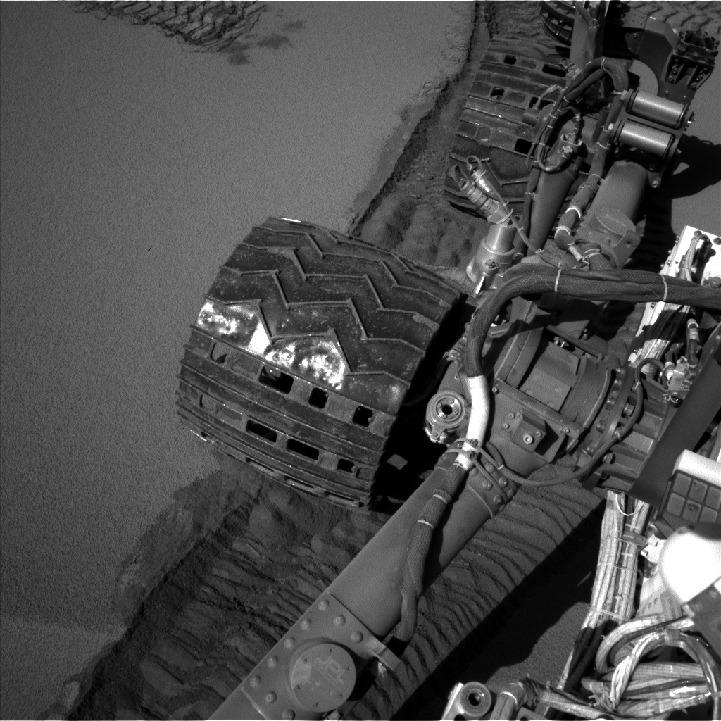 Nasa's Mars rover Curiosity acquired this image using its Left Navigation Camera on Sol 535, at drive 304, site number 26