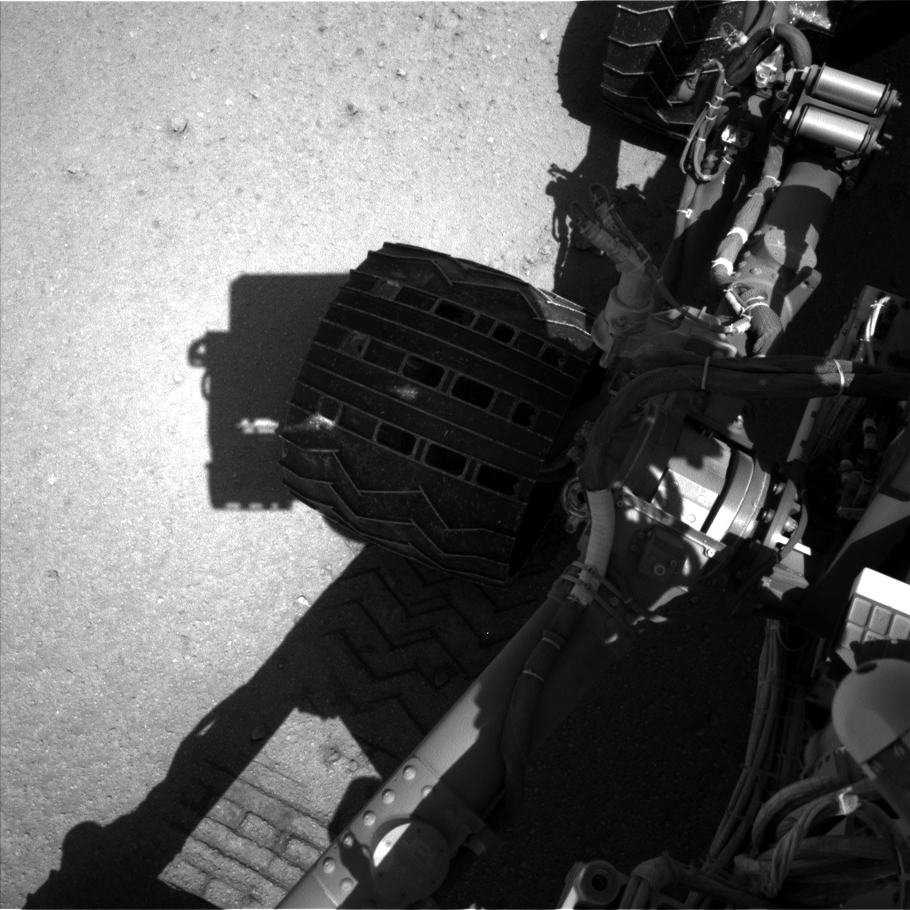 Nasa's Mars rover Curiosity acquired this image using its Left Navigation Camera on Sol 548, at drive 634, site number 27