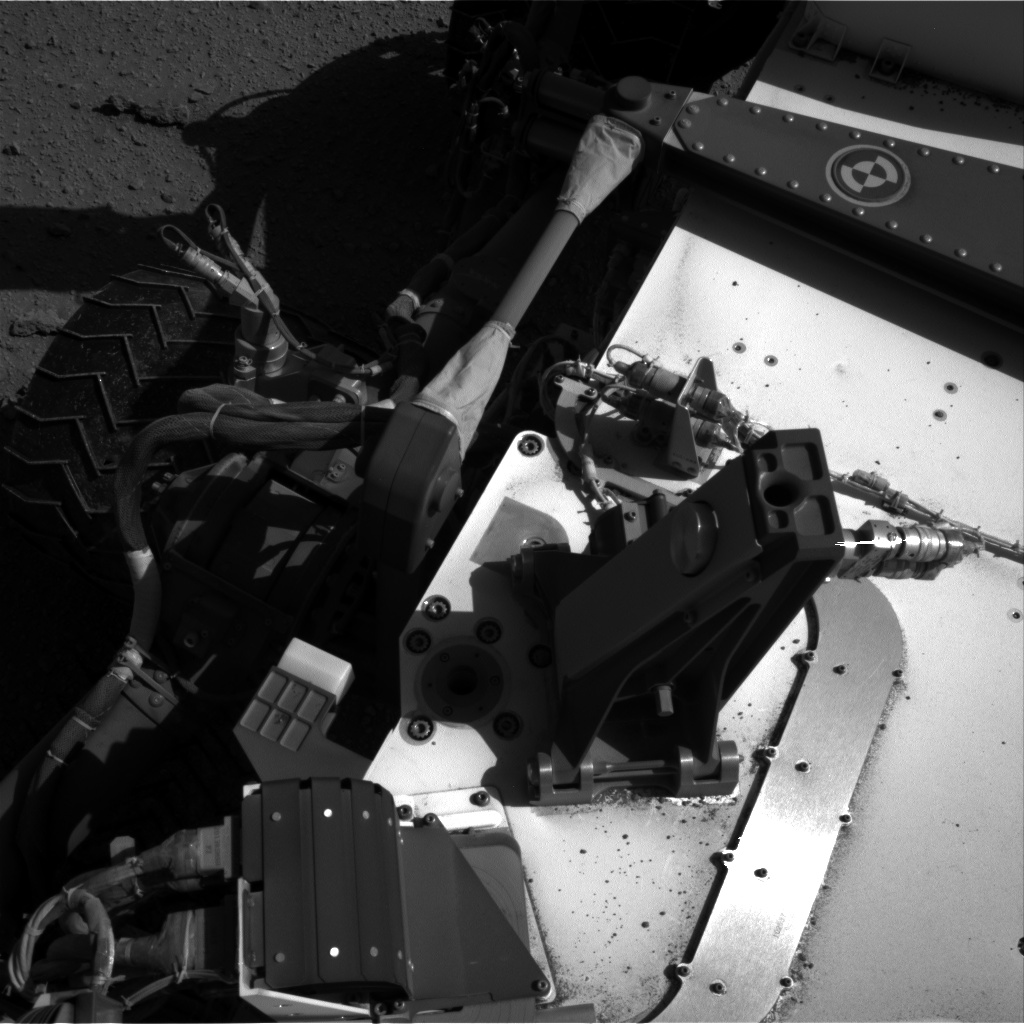 Nasa's Mars rover Curiosity acquired this image using its Right Navigation Camera on Sol 548, at drive 910, site number 27