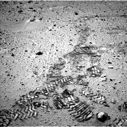 Nasa's Mars rover Curiosity acquired this image using its Left Navigation Camera on Sol 552, at drive 1184, site number 27