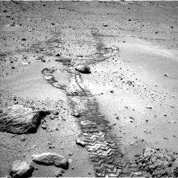 Nasa's Mars rover Curiosity acquired this image using its Left Navigation Camera on Sol 552, at drive 1226, site number 27