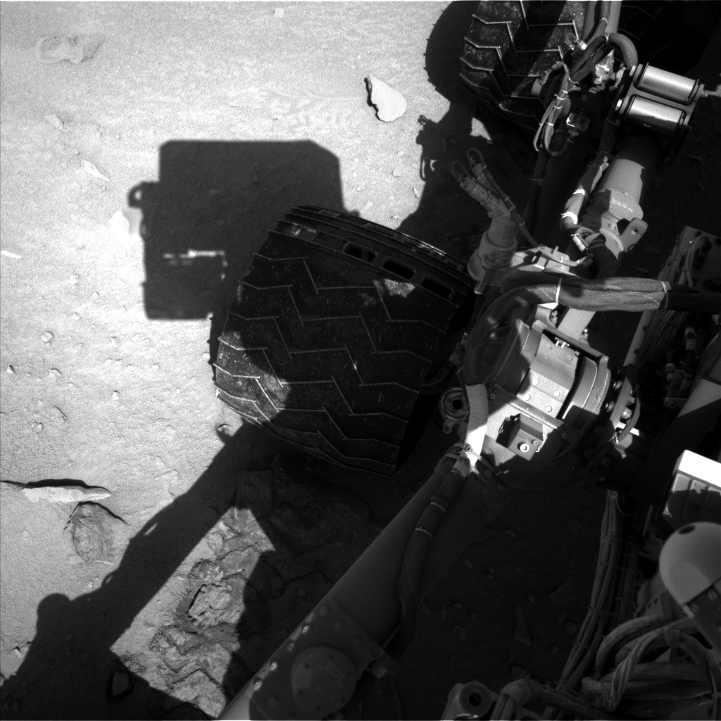Nasa's Mars rover Curiosity acquired this image using its Left Navigation Camera on Sol 552, at drive 1250, site number 27