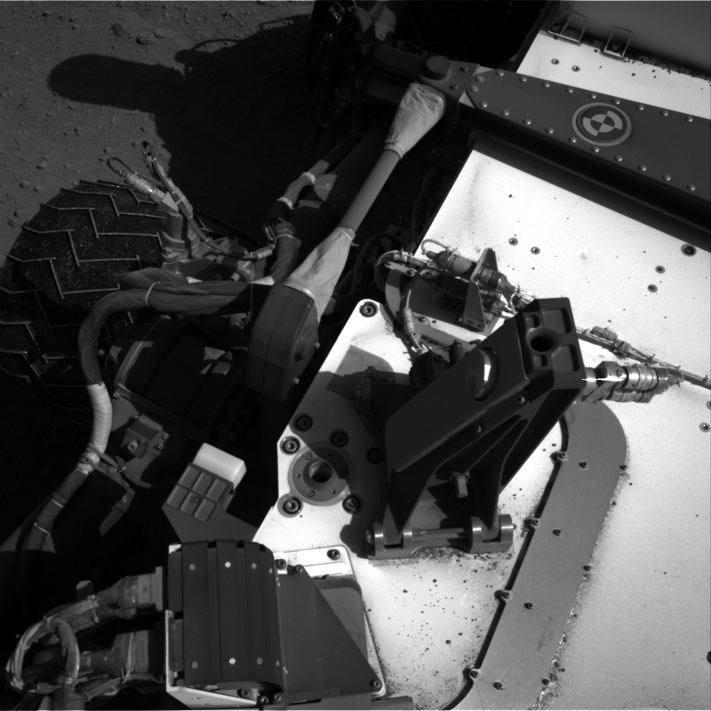 Nasa's Mars rover Curiosity acquired this image using its Right Navigation Camera on Sol 552, at drive 1400, site number 27