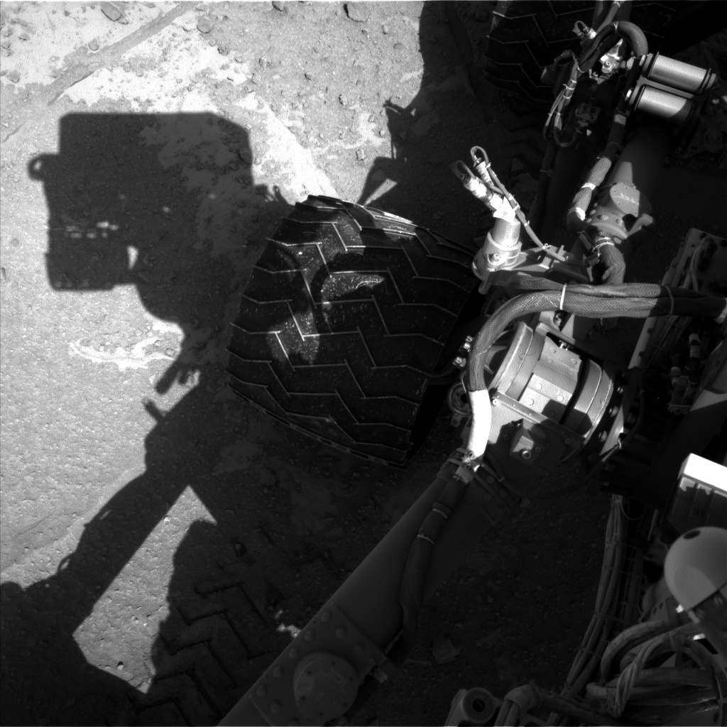 Nasa's Mars rover Curiosity acquired this image using its Left Navigation Camera on Sol 553, at drive 174, site number 28