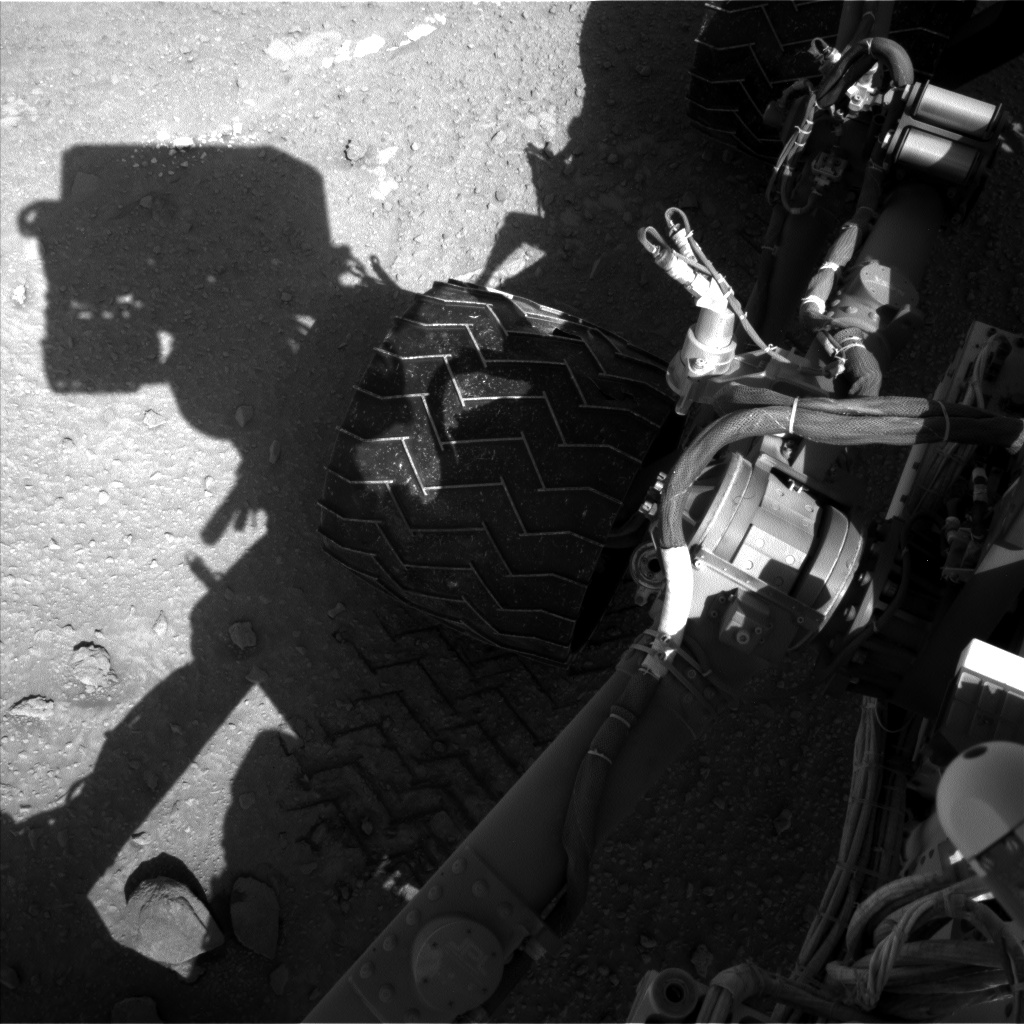 Nasa's Mars rover Curiosity acquired this image using its Left Navigation Camera on Sol 553, at drive 192, site number 28