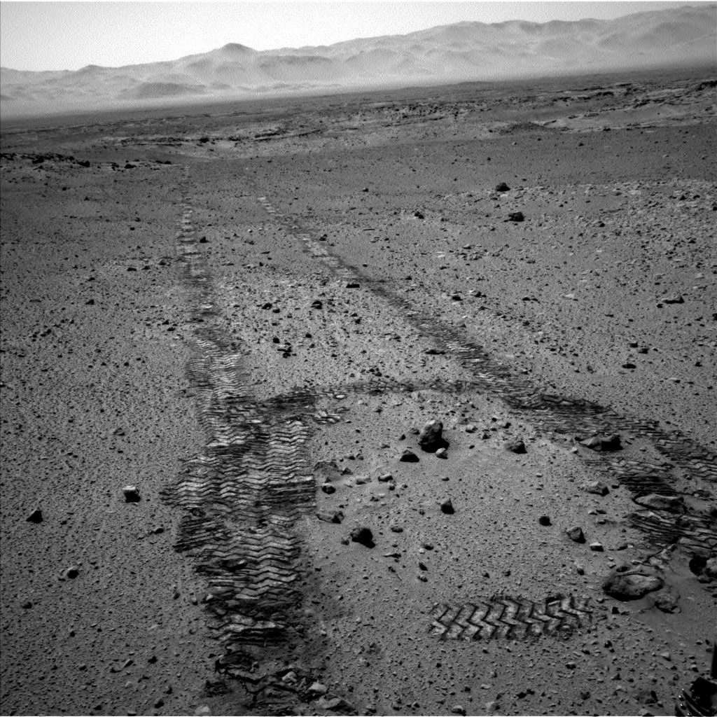 Nasa's Mars rover Curiosity acquired this image using its Left Navigation Camera on Sol 560, at drive 914, site number 28