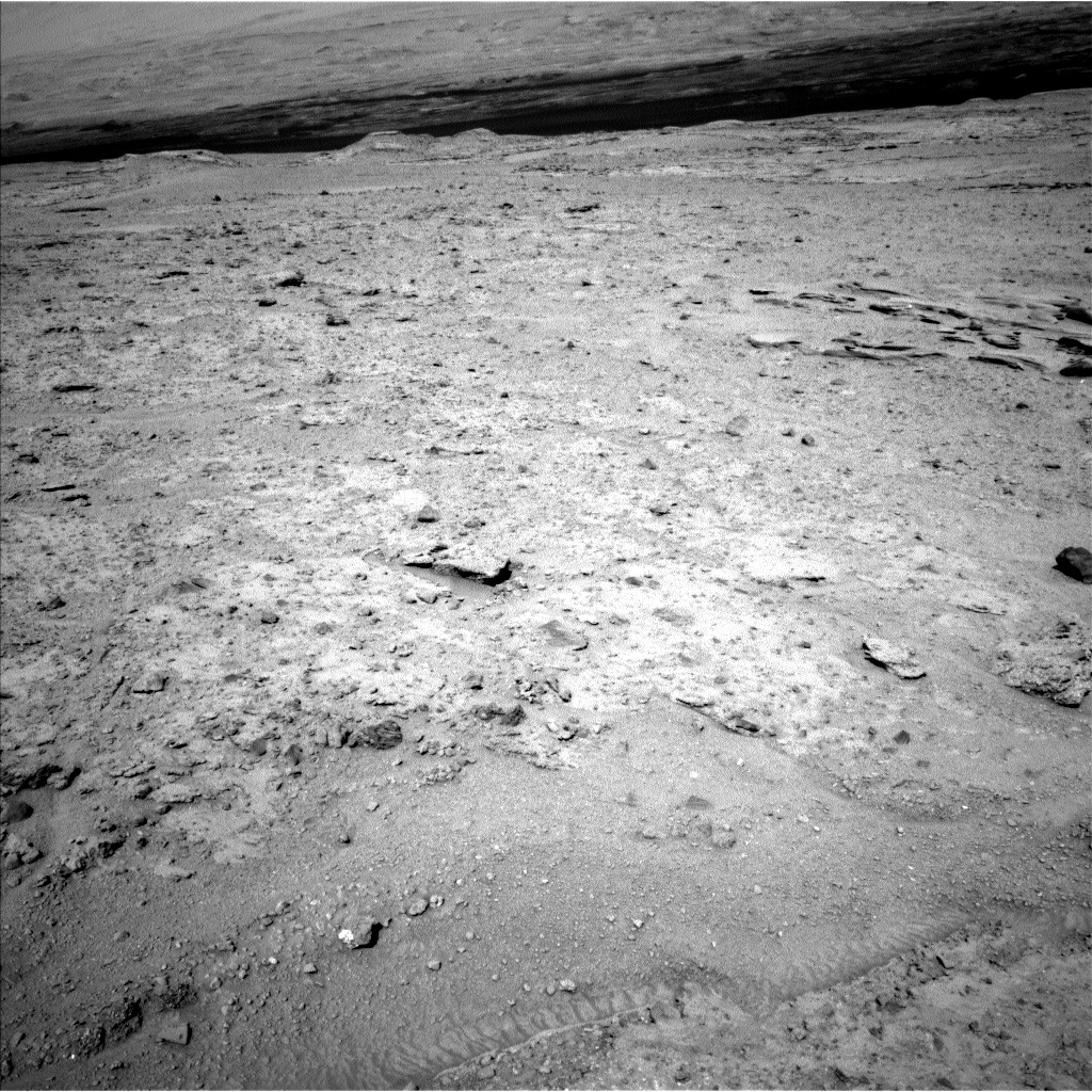 Nasa's Mars rover Curiosity acquired this image using its Left Navigation Camera on Sol 587, at drive 938, site number 30