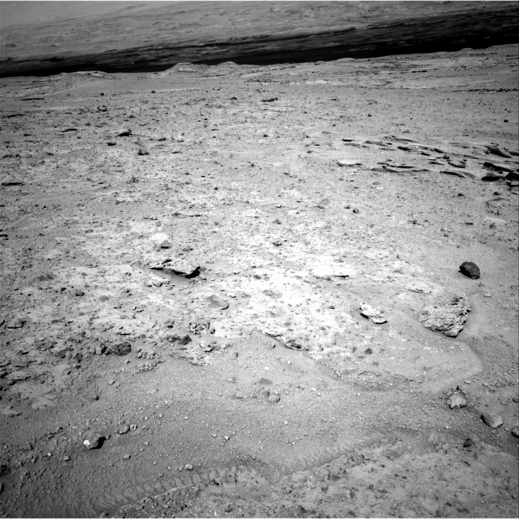 Nasa's Mars rover Curiosity acquired this image using its Right Navigation Camera on Sol 587, at drive 938, site number 30