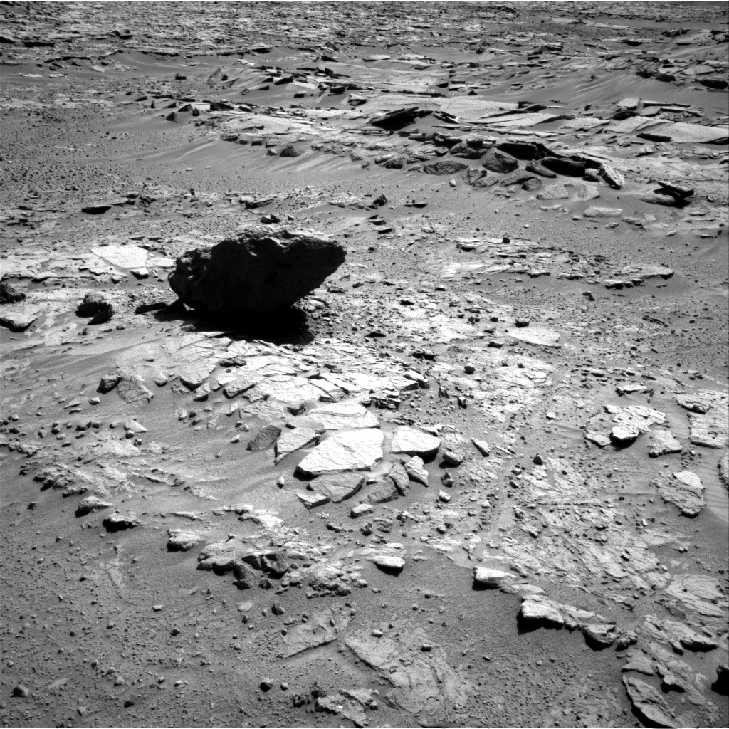 Nasa's Mars rover Curiosity acquired this image using its Right Navigation Camera on Sol 595, at drive 456, site number 31