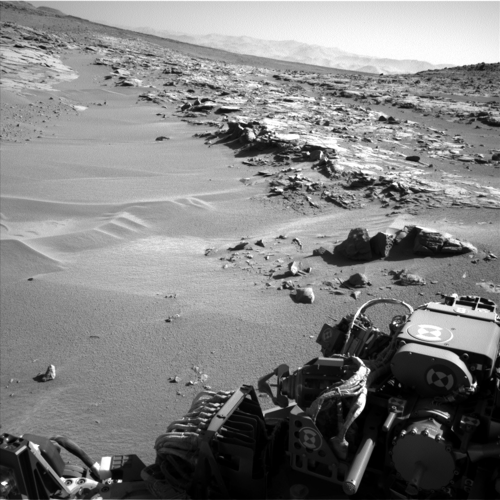Nasa's Mars rover Curiosity acquired this image using its Left Navigation Camera on Sol 606, at drive 1256, site number 31
