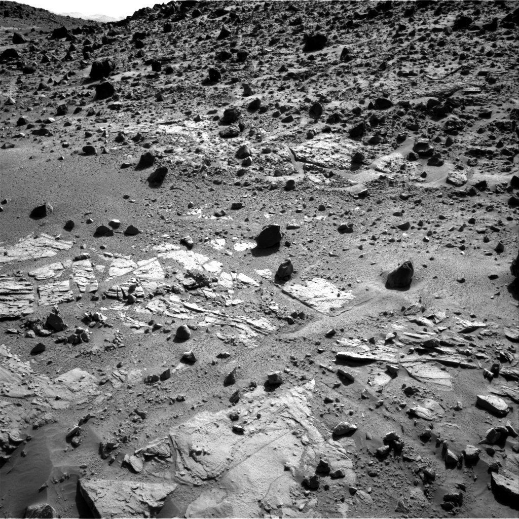 NASA's Mars rover Curiosity acquired this image using its Right Navigation Cameras (Navcams) on Sol 611