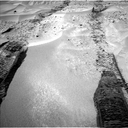 NASA's Mars rover Curiosity acquired this image using its Left Navigation Camera (Navcams) on Sol 672