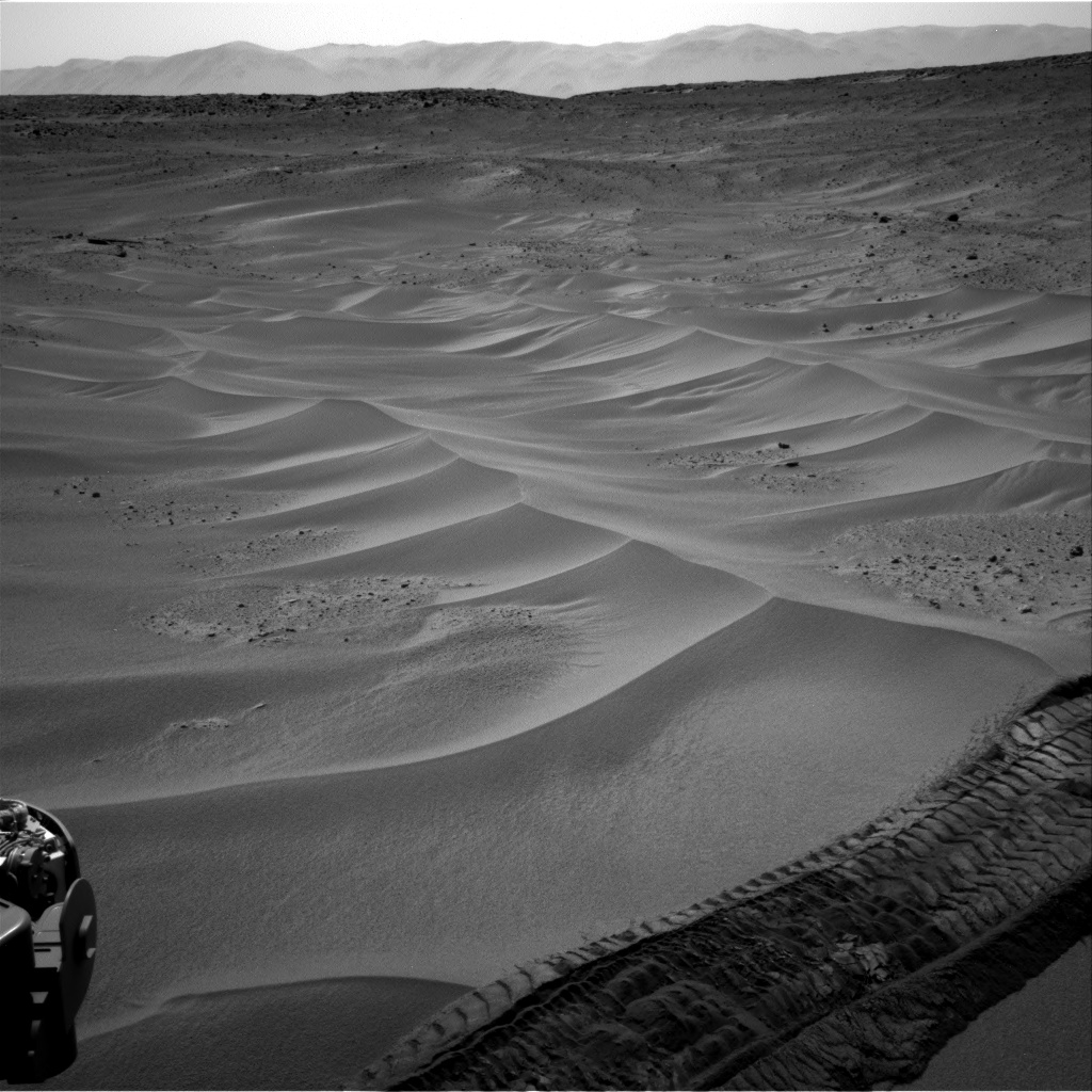 Nasa's Mars rover Curiosity acquired this image using its Right Navigation Camera on Sol 672, at drive 0, site number 38