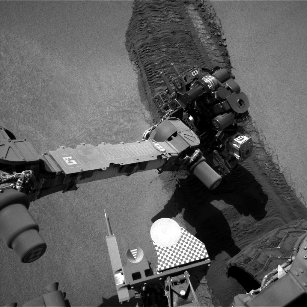 Nasa's Mars rover Curiosity acquired this image using its Left Navigation Camera on Sol 673, at drive 0, site number 38