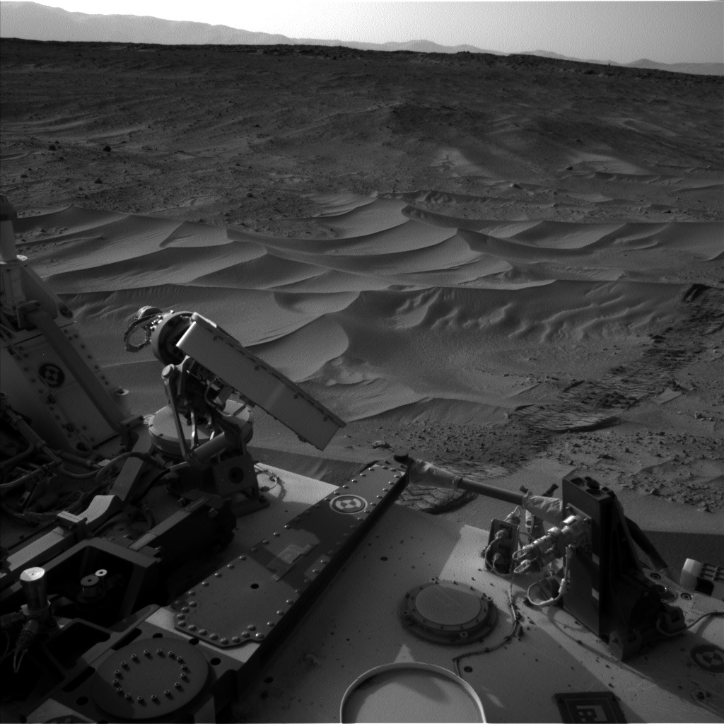 Nasa's Mars rover Curiosity acquired this image using its Left Navigation Camera on Sol 674, at drive 58, site number 38