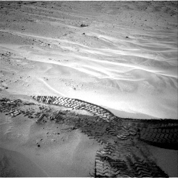 NASA's Mars rover Curiosity acquired this image using its Right Navigation Cameras (Navcams) on Sol 676