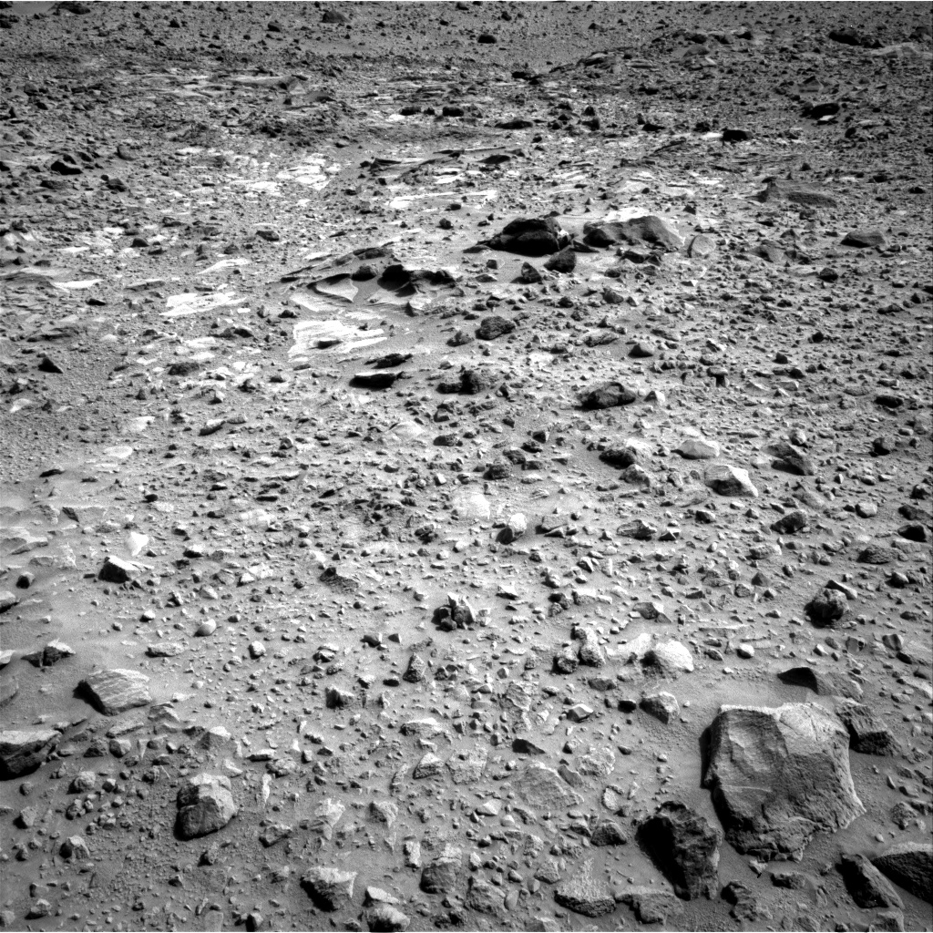 Nasa's Mars rover Curiosity acquired this image using its Right Navigation Camera on Sol 692, at drive 1140, site number 39