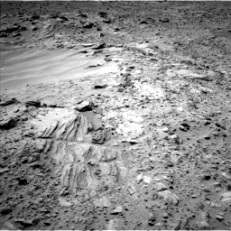 Nasa's Mars rover Curiosity acquired this image using its Left Navigation Camera on Sol 703, at drive 1678, site number 39
