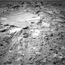 Nasa's Mars rover Curiosity acquired this image using its Right Navigation Camera on Sol 703, at drive 1672, site number 39