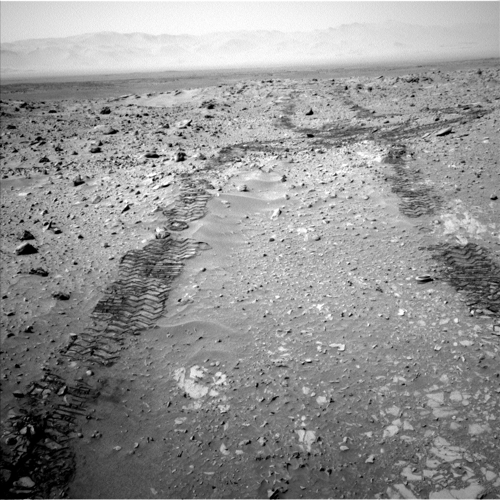 Nasa's Mars rover Curiosity acquired this image using its Left Navigation Camera on Sol 713, at drive 660, site number 40