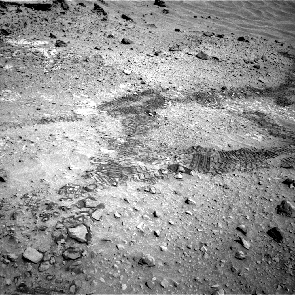 Nasa's Mars rover Curiosity acquired this image using its Left Navigation Camera on Sol 717, at drive 1240, site number 40