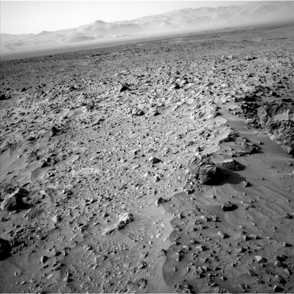 Nasa's Mars rover Curiosity acquired this image using its Left Navigation Camera on Sol 733, at drive 0, site number 41