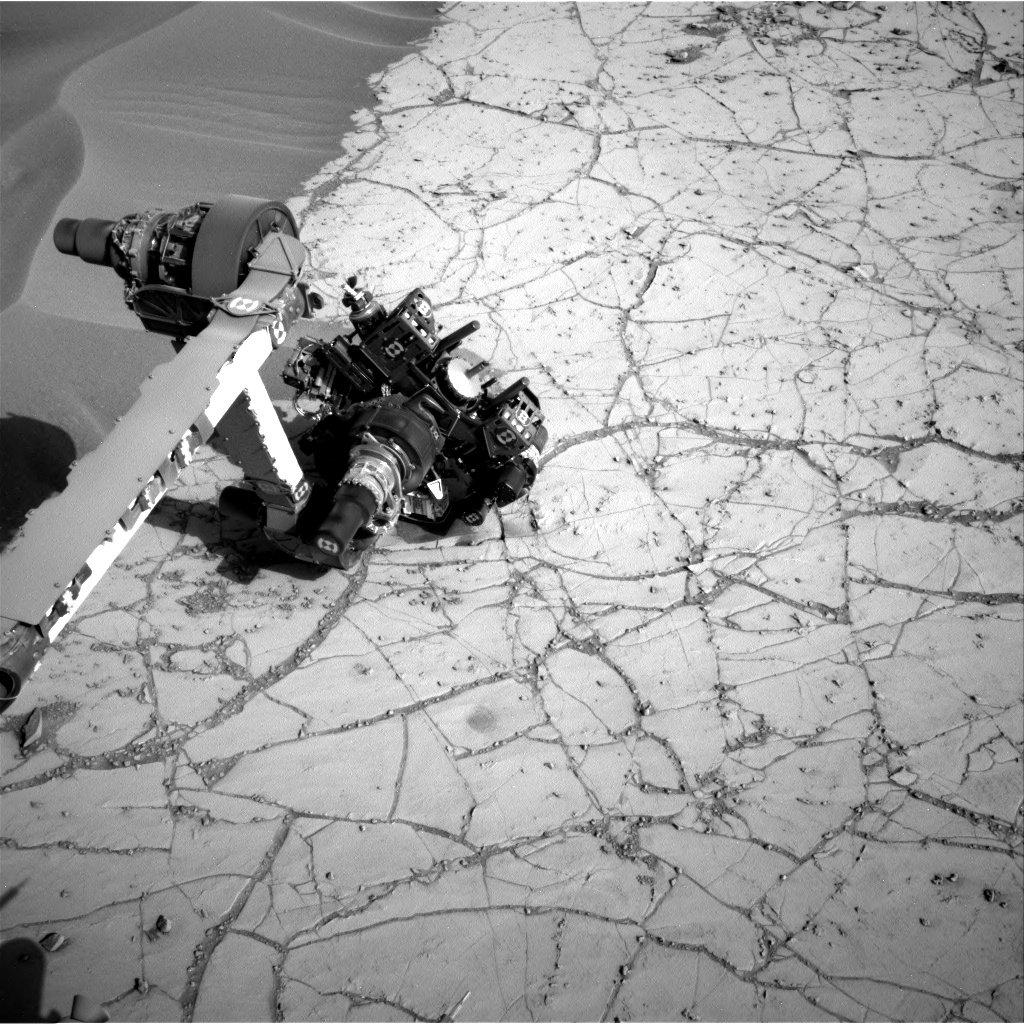 Nasa's Mars rover Curiosity acquired this image using its Right Navigation Camera on Sol 762, at drive 1020, site number 42