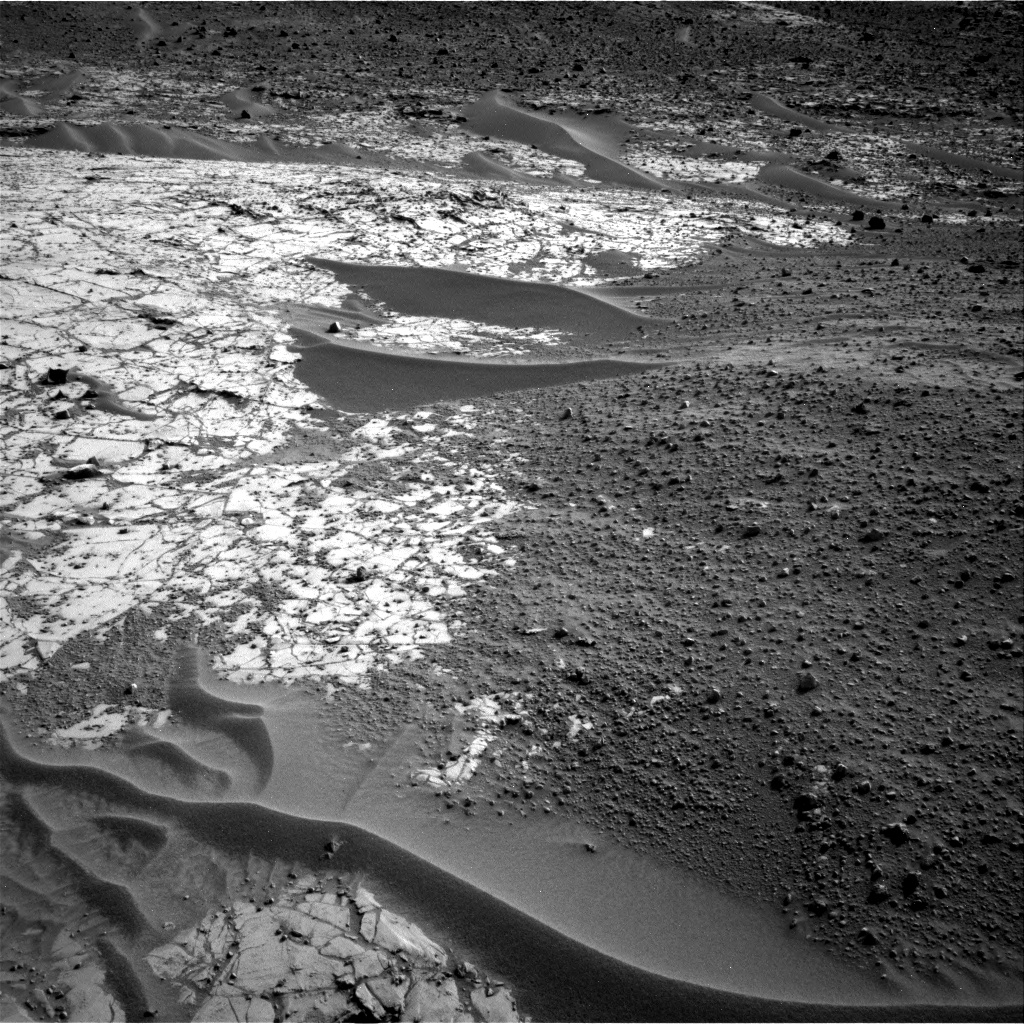 Nasa's Mars rover Curiosity acquired this image using its Right Navigation Camera on Sol 777, at drive 0, site number 43