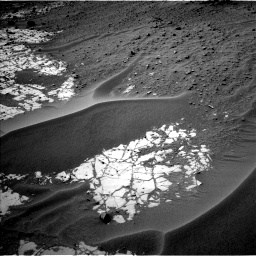 Nasa's Mars rover Curiosity acquired this image using its Left Navigation Camera on Sol 780, at drive 102, site number 43