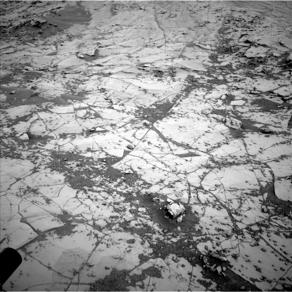 Nasa's Mars rover Curiosity acquired this image using its Left Navigation Camera on Sol 780, at drive 186, site number 43