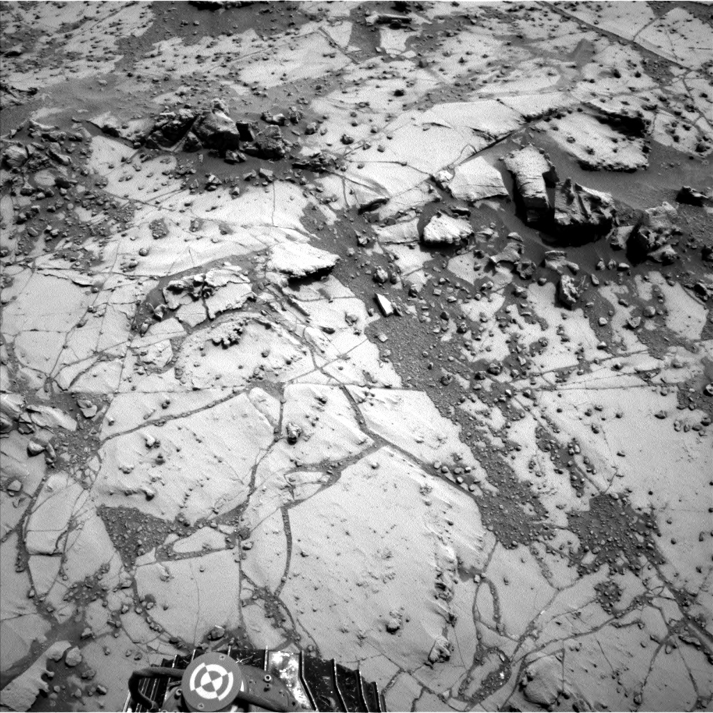 Nasa's Mars rover Curiosity acquired this image using its Left Navigation Camera on Sol 780, at drive 216, site number 43