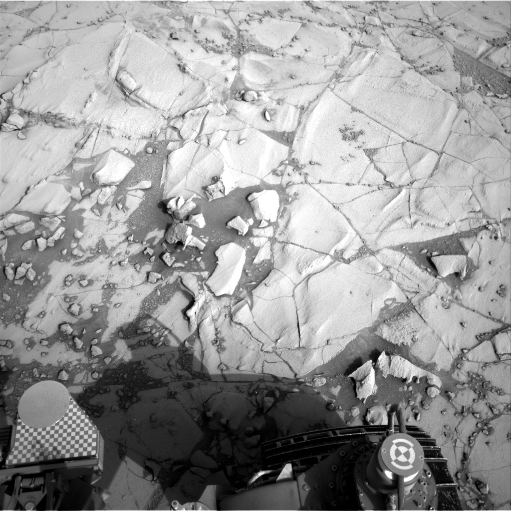 NASA's Mars rover Curiosity acquired this image using its Right Navigation Cameras (Navcams) on Sol 781