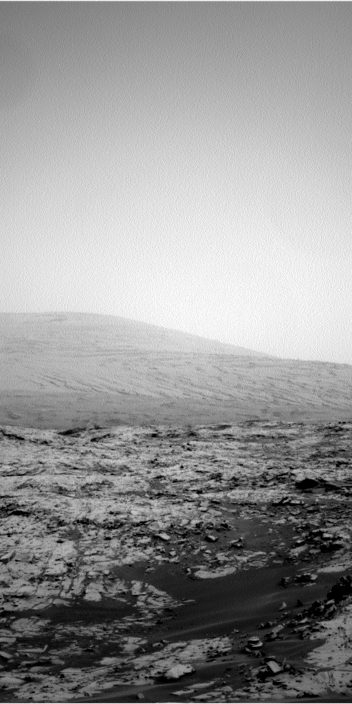 Nasa's Mars rover Curiosity acquired this image using its Left Navigation Camera on Sol 789, at drive 190, site number 44