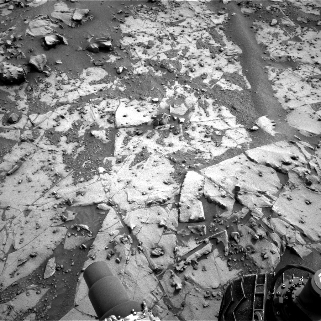 Nasa's Mars rover Curiosity acquired this image using its Left Navigation Camera on Sol 792, at drive 334, site number 44