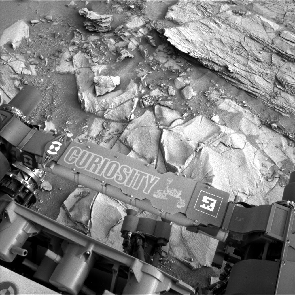 Nasa's Mars rover Curiosity acquired this image using its Left Navigation Camera on Sol 792, at drive 370, site number 44