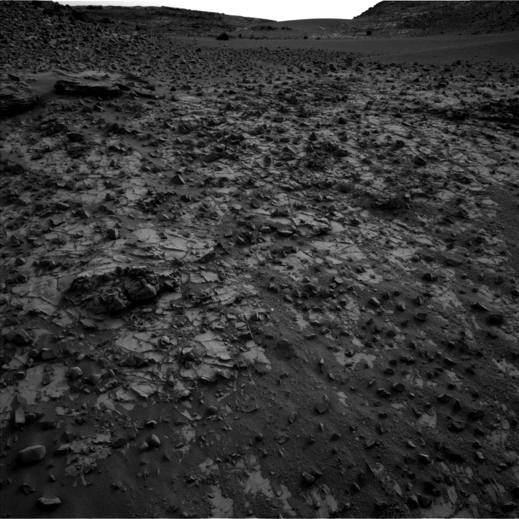 Nasa's Mars rover Curiosity acquired this image using its Left Navigation Camera on Sol 794, at drive 568, site number 44