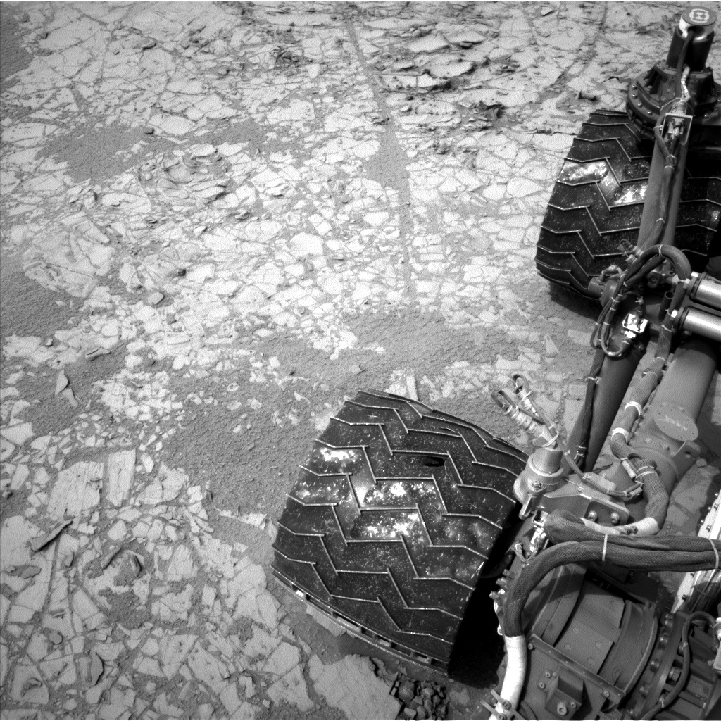 Nasa's Mars rover Curiosity acquired this image using its Left Navigation Camera on Sol 797, at drive 652, site number 44