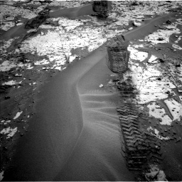 Nasa's Mars rover Curiosity acquired this image using its Left Navigation Camera on Sol 797, at drive 754, site number 44