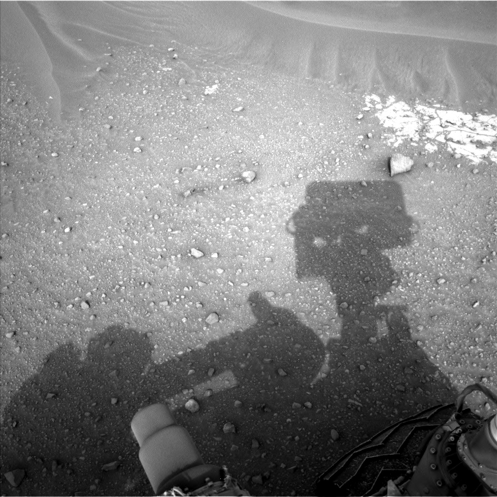Nasa's Mars rover Curiosity acquired this image using its Left Navigation Camera on Sol 797, at drive 920, site number 44