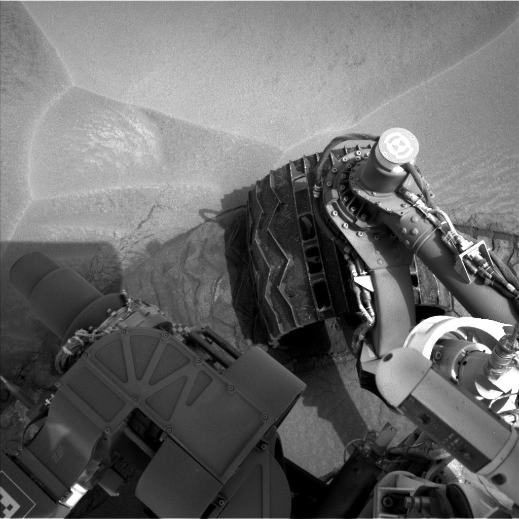 Nasa's Mars rover Curiosity acquired this image using its Left Navigation Camera on Sol 799, at drive 1106, site number 44