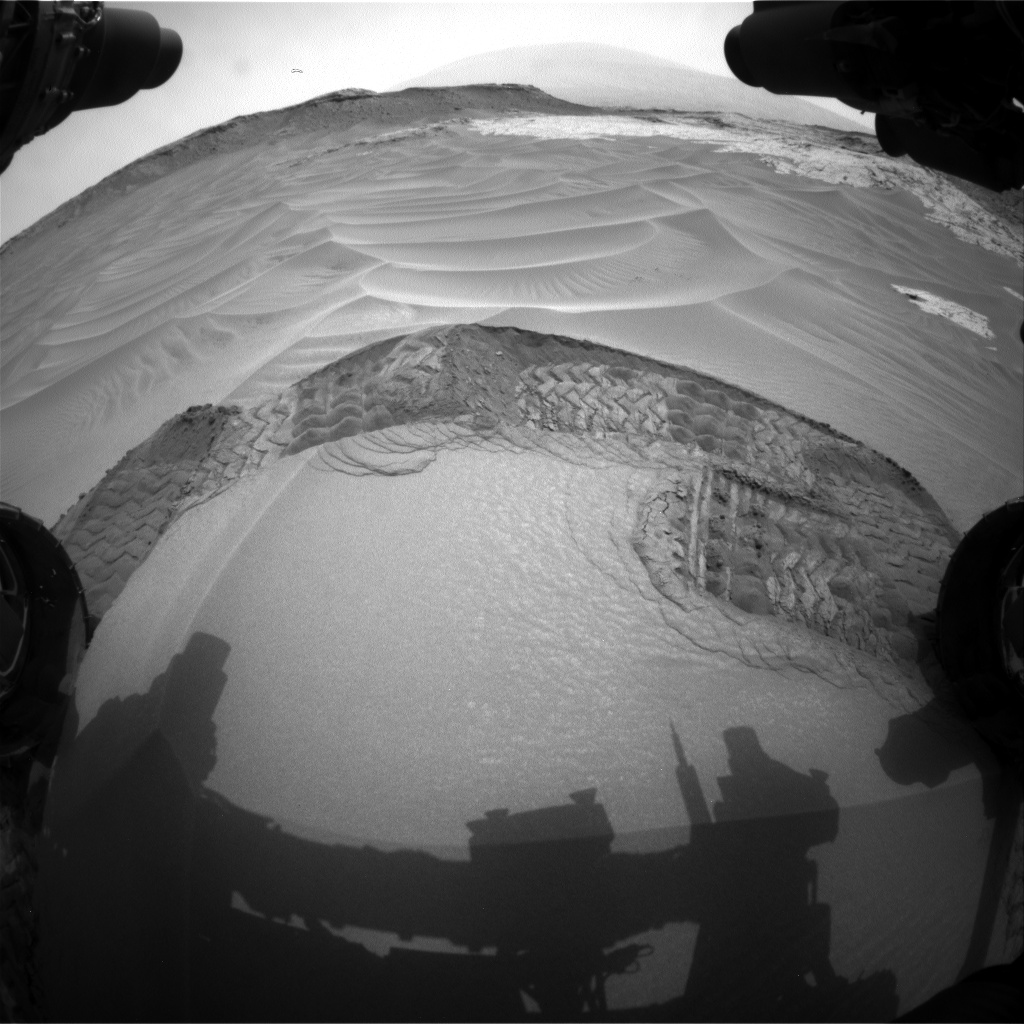 Nasa's Mars rover Curiosity acquired this image using its Front Hazard Avoidance Camera (Front Hazcam) on Sol 800, at drive 1140, site number 44