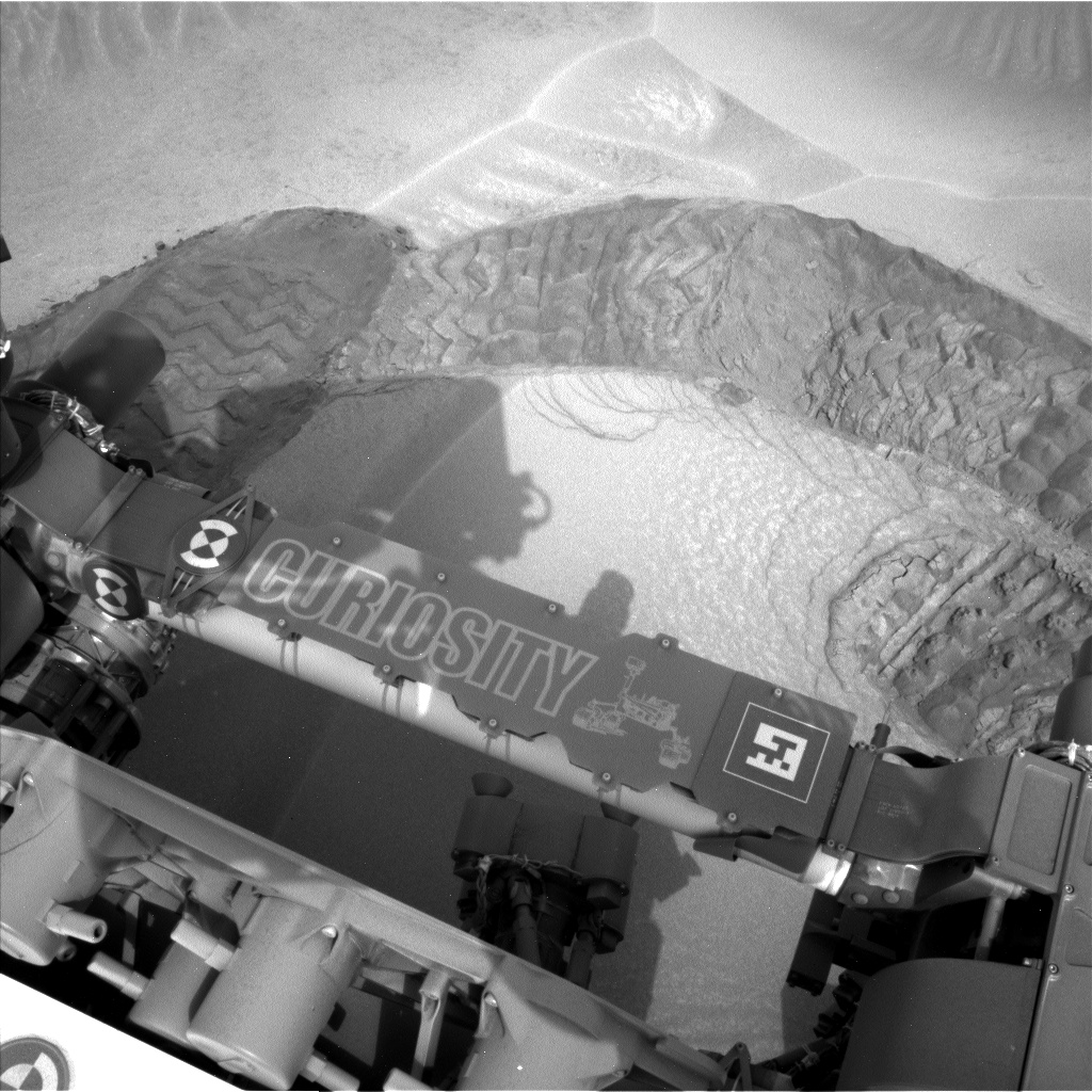Nasa's Mars rover Curiosity acquired this image using its Left Navigation Camera on Sol 803, at drive 1170, site number 44