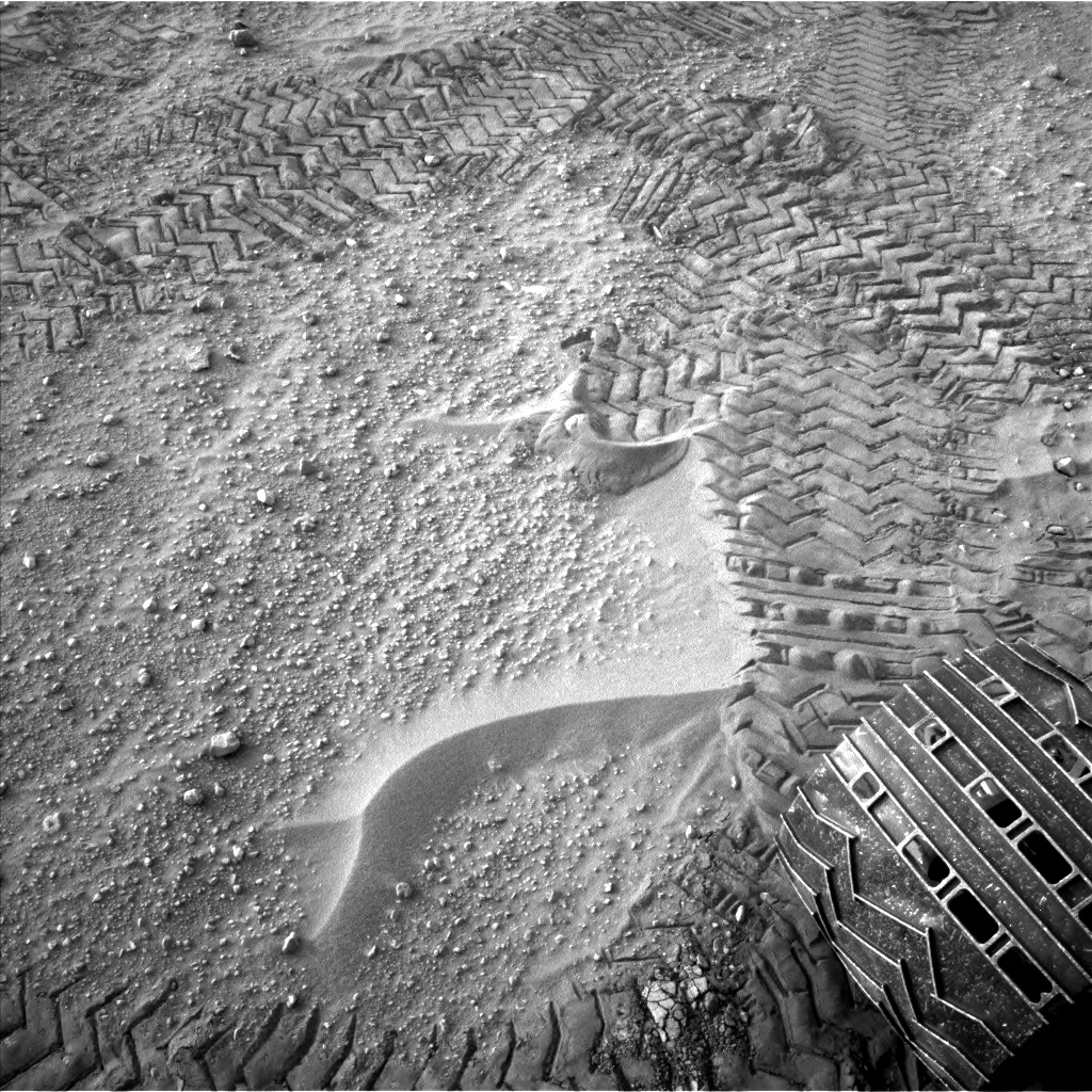 Nasa's Mars rover Curiosity acquired this image using its Left Navigation Camera on Sol 803, at drive 1282, site number 44