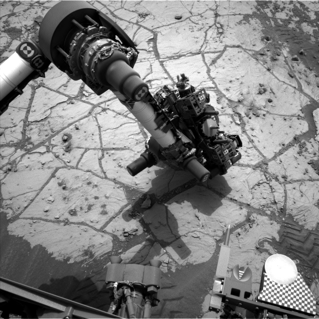 Nasa's Mars rover Curiosity acquired this image using its Left Navigation Camera on Sol 805, at drive 1282, site number 44