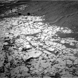 Nasa's Mars rover Curiosity acquired this image using its Left Navigation Camera on Sol 807, at drive 1366, site number 44