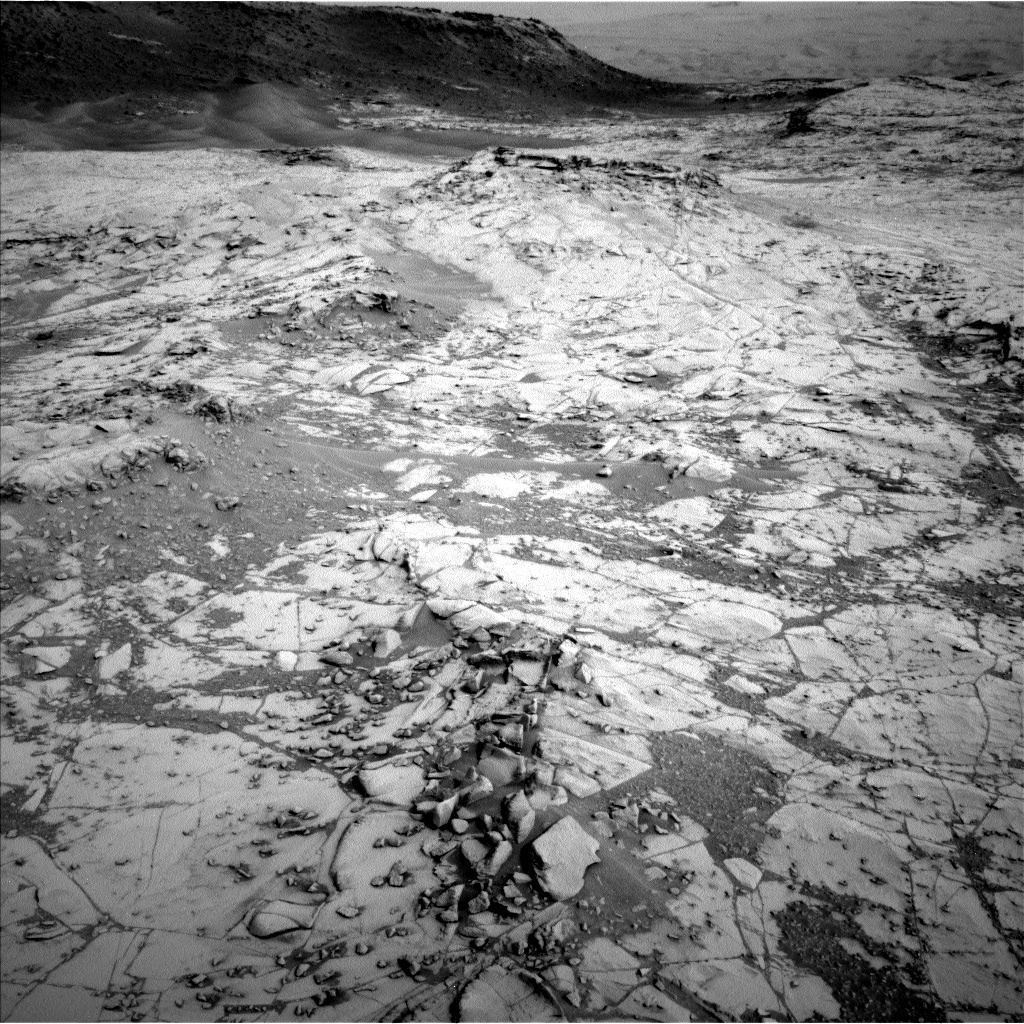 Nasa's Mars rover Curiosity acquired this image using its Left Navigation Camera on Sol 807, at drive 1432, site number 44
