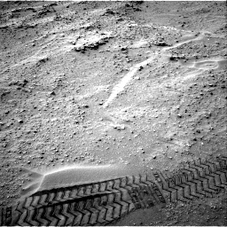 Nasa's Mars rover Curiosity acquired this image using its Right Navigation Camera on Sol 807, at drive 1306, site number 44